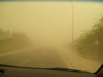 死海近郊の砂嵐.jpg