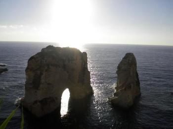 ベイルート鳩の岩.jpg
